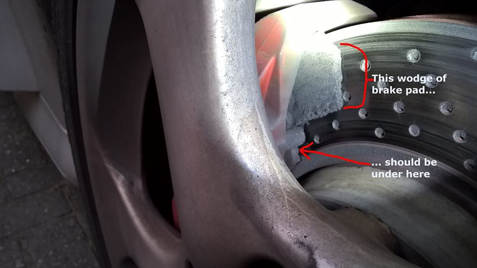 Porsche brake pads sheared at Donington